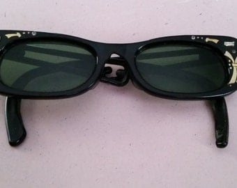 Vintage Black Sunglasses Green Lenses Glasses 1950s Retro Mid Century Rhinestones Gold Accents AS IS