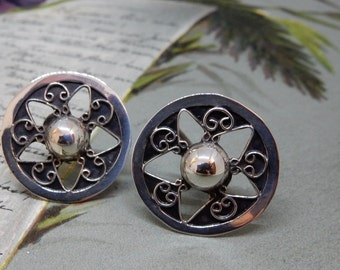 Sterling Silver Screw Back Earrings Openwork Star Design    NAT7