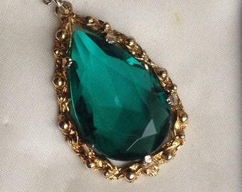 Vintage Emerald Green Teardrop Pendant