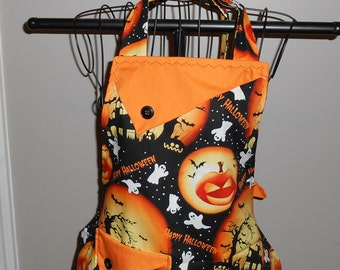 Happy Halloween Haunted House with Ghosts and Jack O'Lanterns Women's Apron