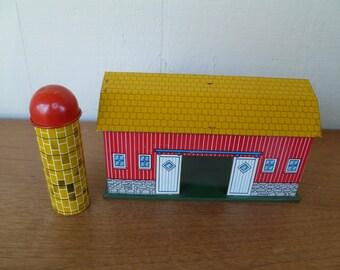 Ohio Art Toy Barn with Silo, Tin Metal Litho
