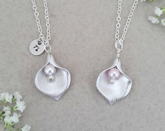 Silver Calla Lily Flower Necklace with Swarovski Pearl, silver lily, wedding jewelry, bride jewelry, bridesmaid necklace, bridal jewelry