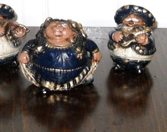 Vintage Mariachi Band Figurines (7)