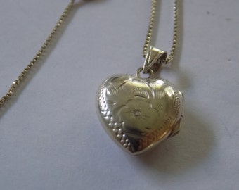 Vintage locket, sterling silver etched heart locket and 925 chain, romantic jewelry, vintage jewelry