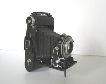 Vintage Folding Camera Kodak Kodamatic 1 Bellows As Is for Display or Repair