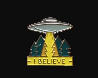 Enamel Pin: UFO I Believe