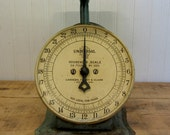 Vintage Green 24 lb Universal Household Scale Landers, Frary & Clark New Britain Conn