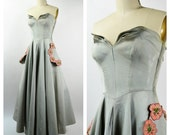 Fabulous 1950s Evening Dress Gray Ribbed Faille Extra Small Hand Painted Flowers on Pockets Large Long Circle Skirt Project Dress