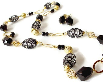 Long Black Necklace, Black And Gold Necklace, Beaded Chain Necklace, Black Statement Necklace, Long Chunky Necklace, Lamp Work Bead Necklace