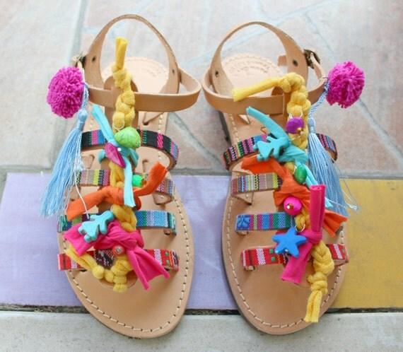 Pompom Sandals for kids/Boho sandals for children Sandales en cuir