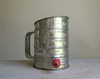 Bromwell's Sifter | Crank Flour Sifter with Handle | Vintage Tin Sifter Kitchen Utensil | Farmhouse Kitchen