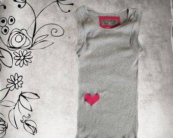 Tank top gray/Pink hip heart/Sleeveless shirt/Knit crew
