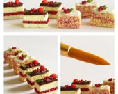 6 Summer Berries Cake Slices