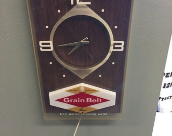 Vintage Grain Belt Beer Sign Lamp Clock