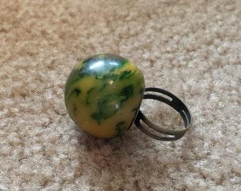 marbled green bakelite ball ring adjustable band nickel free