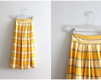 vintage 1950s full cotton skirt - girls or ladies xxs . xs / sunshine yellow striped skirt / 1950s vintage skirt - 50s summer skirt