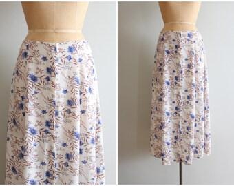 blue floral print rayon crepe skirt - summer midi skirt / Cornflower Blue - vintage 80s floral print skirt / 90s grunge skirt - blue flowers