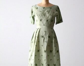 FREE SHIP  vintage 50s green floral dress