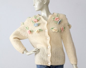 1960s flower cardigan, vintage decorative appliqué cream sweater