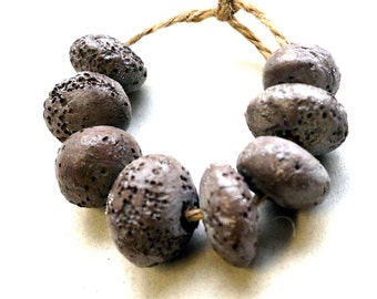 Stardust -- 8 stoneware beads with soft reptile skin texture and pure silver