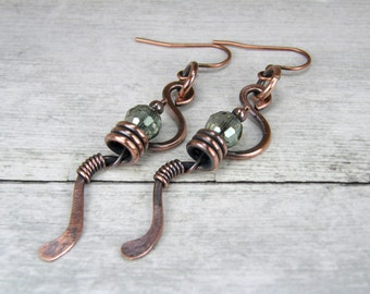 Faceted Green Crystal and Copper Spiral Earrings, Antiqued Copper Earrings, Copper Wire Earrings