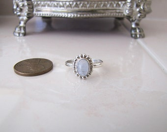 Simple Oval Rainbow Moonstone Sterling Silver Ring, size 5