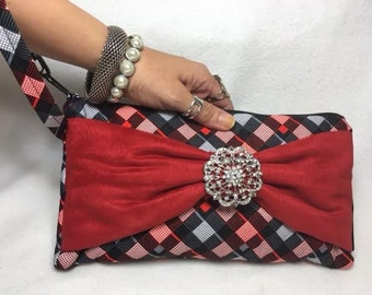 Geo Wristlet, Bow and brooch, red bow with brooch, clutch, evening bag, handbag, geometric purse, handbag, purse with brooch, LW11X5C-GRBow