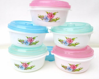 Vintage Plastic Storage Bowls / Refrigerator Dishes / Stacking Bowls with Lids / Baby Food Bowls