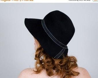 25% OFF SALE / 1960s vintage hat / black wool hat / Fair-Field