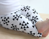 SALE Black and White, Triangle, Aztec Unisex, Baby Girl, Baby Boy Knit Leggings Pants