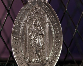 "Vintage Holy Mary Parish of St Clotilde signed by A. DESAIDE Silver Religious Medal on 18"" sterling silver rolo chain"