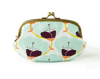 Metal frame large round pouch // Soda Blooms