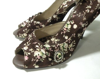 Tribeca by Kenneth Cole Womens Stilettos High Heel Shoes 2017 Summer Trends Brown Floral  Low Heel Wedding Shoes