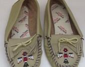 Vintage Tan Beaded Minnetonka Thunderbird Moccasins - Size USA 6/UK 4