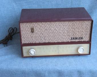 Vintage Table Top ZENITH Tube Radio Model B723R AM FM Radio Works