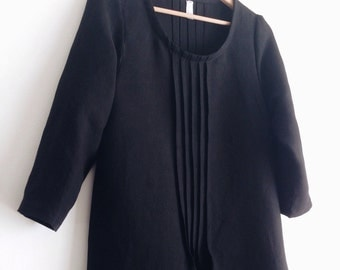 Japanese style women's linen dress. Scoop neckline, 3/4 sleeve lenght. Made in Italy. Sizes S to XL.