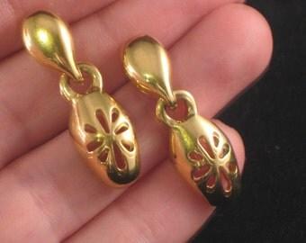 Elegant Gold Vintage Earrings