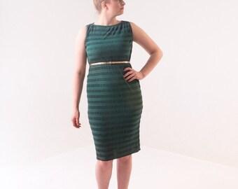 1950's Emerald Green Wiggle Dress/ 50's Stretch Ruched Dress