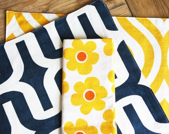 Reversible Placemats - Blue Racetrack and Yellow Cat Eye