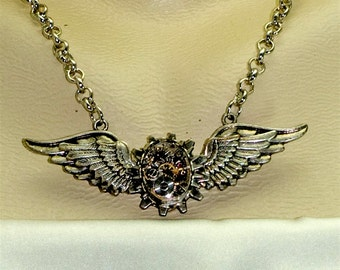 Steampunk Wings Gothic 17 Jewel Watch Movement Necklace