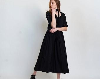 Placket trim maxi dress-Maxi black dress.