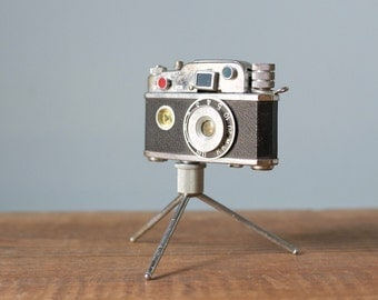 Vintage 1950s Japan Subminiature Photo Flash KKW Camera Lighter with Compass & Tripod