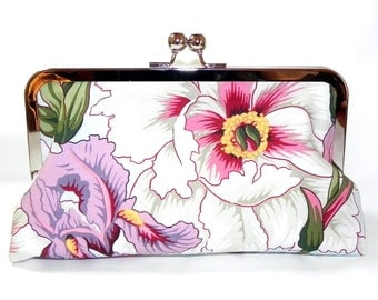 Clutch - Flowers in white, blue, lavender and pink - Silver kisslock frame