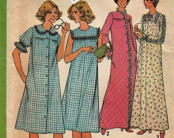 """Retro Loose-Fitting Nightgown and Robe  -  1970's Vintage Women's Pattern  - Size 12 Bust 34""""  - UNCUT - Sewing Pattern Simplicity 8198"""