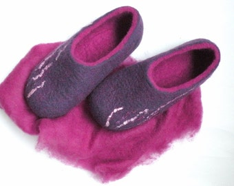 Felted slippers Purple rain