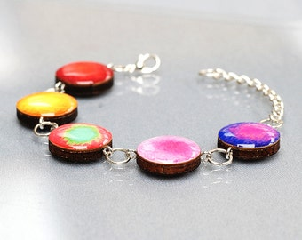 Beautiful Red, Pink and Silver circle link bracelet