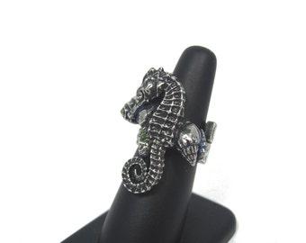 Baby Seahorse ring