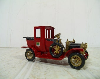Vintage Lesney Die Cast Car Models of Yesteryear Collection - 1912 Packard Landaulet Made in England - Mid Century Matchbook Collectible Car