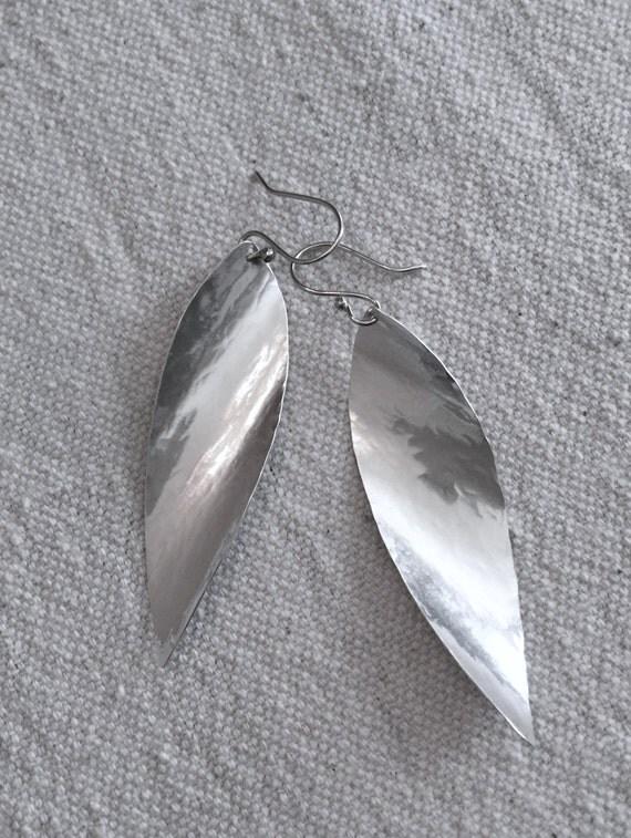 Hammered Silver Leaf Earrings. Twisted silver Earrings. Elegant Earrings