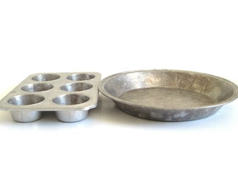 Wearever Pie Pan N5844 9 x 1 1/4, Wear Ever Muffin Tin 2784 Aluminum Bakeware Pie Plates